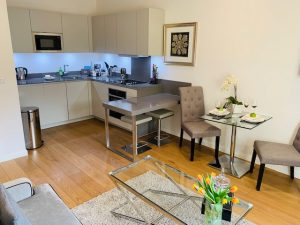 Modern & Spacious Two Bedroom Situated In Kensington
